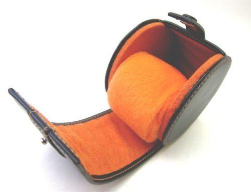 イタリアンスムースレザー、時計を収納、携帯するケース
