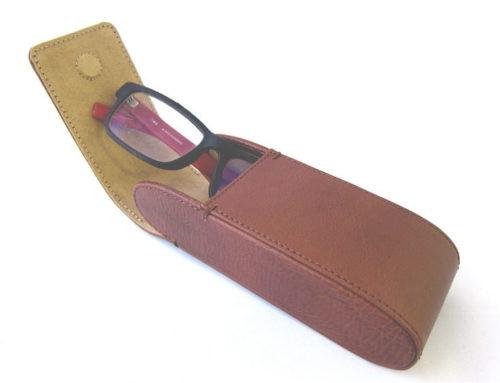 イタリアンシュリンクレザー、縦型ボックス式のメガネケース